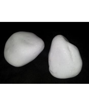 Białe naturalne kamienie do biokominka 1,5kg 8-13cm